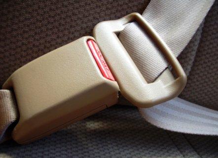¿Cuáles son las ventajas de usar el cinturón de seguridad para autos?