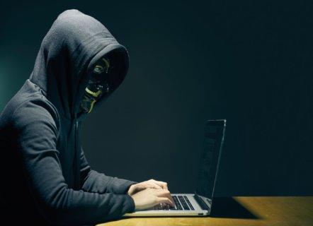 Cracker vs hacker: ¿cuál es el malo en la seguridad informática?